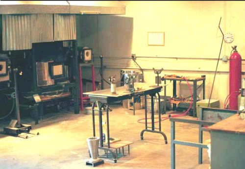 1998 image of Grapevine Art Glass, now closed