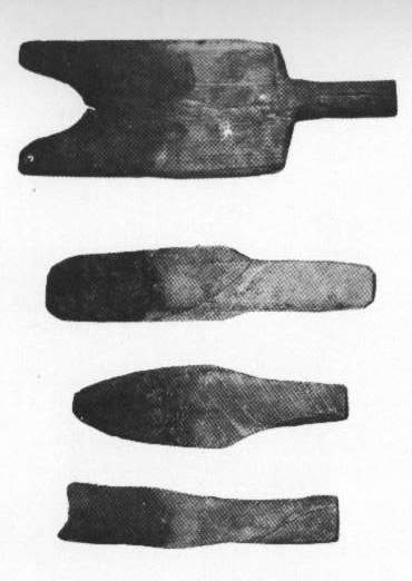 Samples of used wood paddles in Harvey Littleton's book